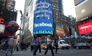 Facebook entre en bourse, New-York, le 18 mai 2012.