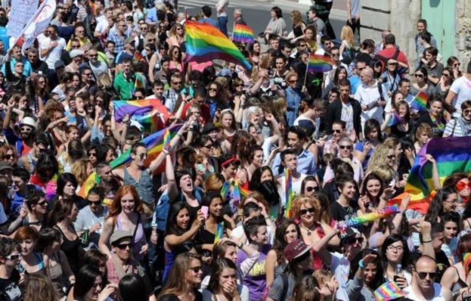 lieu rencontre gay montpellier à Montélimar