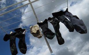 Des chaussettes à la place des gants? Ça passe.