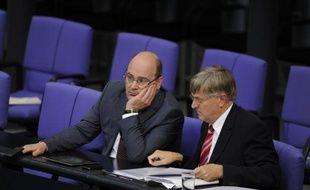 Le gouvernement allemand refusera de nouvelles discussions sur les règles budgétaires de la zone euro, restant convaincu que redressement des finances publiques et croissance ne sont pas antinomiques, a affirmé mercredi Steffen Kampeter, secrétaire d'Etat allemand aux Finances.