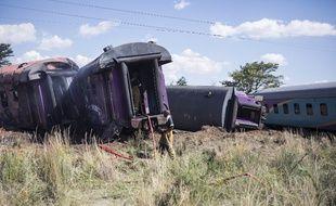 Une collision entre un train et un poids lourd à un passage à niveau jeudi dans le centre de l'Afrique du Sud a fait au moins 14 morts et 190 blessés.