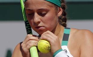 Latvia's Jelena Ostapenko concentrates as she plays Timea Bacsinszky of Switzerland during their semifinal match of the French Open tennis tournament at the Roland Garros stadium, Thursday, June 8, 2017 in Paris.