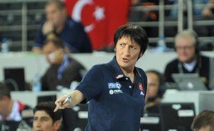 Le coach de l'équipe de France de basket Valérie Garnier, lors du match de poule de Coupe du monde contre le Mozambique, le 28 septembre 2014.