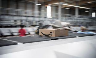 Un entrepôt logistique d'Amazon. Illustration.