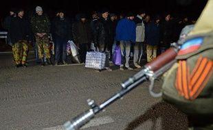 Echange de prisonniers entre les rebelles prorusses et l'Ukraine le 26 décembre 2014, dans la ville de Yasinovataya, près de Donetsk