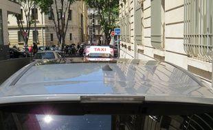 Lyon Un Chauffeur De Taxi Soupconne D Une Arnaque A La Securite