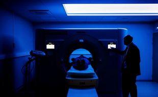 Le groupe hospitalier de l'Est lyonnais est le premier à tester, un scanner spectral à comptage photonique, un modèle inédit et unique au monde.