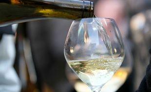 Apprécié des jeunes palais en raison de leur teneur en sucre assez élevée, les vins blancs moelleux et liquoreux sont parfois difficile à différencier.