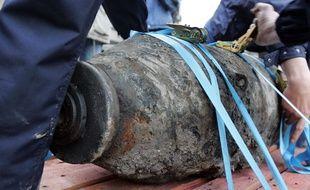 Illustration d'une bombe américaine de la Seconde Guerre Mondiale découverte dans la Seine en 2005.