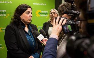 La secrétaire nationale de Europe Ecologie Les Verts (EELV) Emmanuelle Cosse à Paris le 13 décembre 2015.