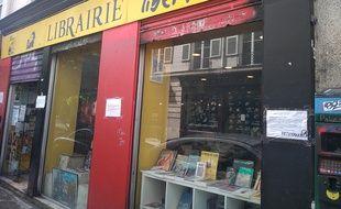 Un militant anarchiste a été victime d'une agression au couteau dans la librairie anarchiste Publico à Paris