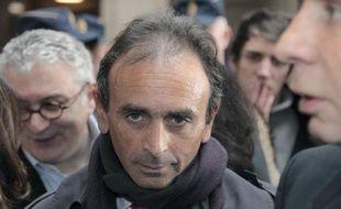 """Après les critiques de ses propos virulents contre la ministre de la Justice Christiane Taubira, le polémiste Eric Zemmour s'est posé lundi en victime """"des professionnels de l'indignation tarifée"""", à la veille de comparaître dans un nouveau procès pour diffamation."""
