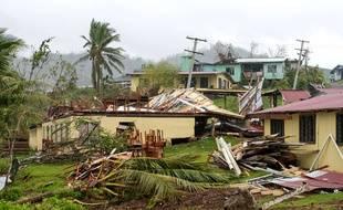 Une école détruite par le cyclone Winston dans le village de Naiyavu, photographiée le 23 février 2016.