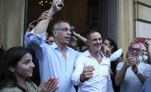 Pierre Savelli et Gilles Simeoni, les deux derniers maires de Bastia, lors de la réélection de leur liste en juin 2020.
