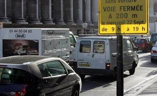 La Journée internationale en ville sans voitures, le 22 septembre 2004, à Paris.