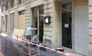 L'Apple Store de la rue Sainte-Catherine a été vandalisé le 8 décembre.