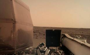 Une photo de Mars prise par le robot InSight après son atterrissage, le 26 novembre 2018.