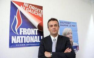 Laurent Lopez, qui a remporté dimanche la cantonale de Brignoles (Var), incarne le nouveau visage qu'entend donner sa présidente, Marine Le Pen, au Front national qu'il représentera également pour la municipale de mars 2014.