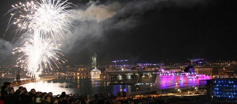 Feu d'artifice à Marseille au lancement de l'année capitale européenne, en 2013