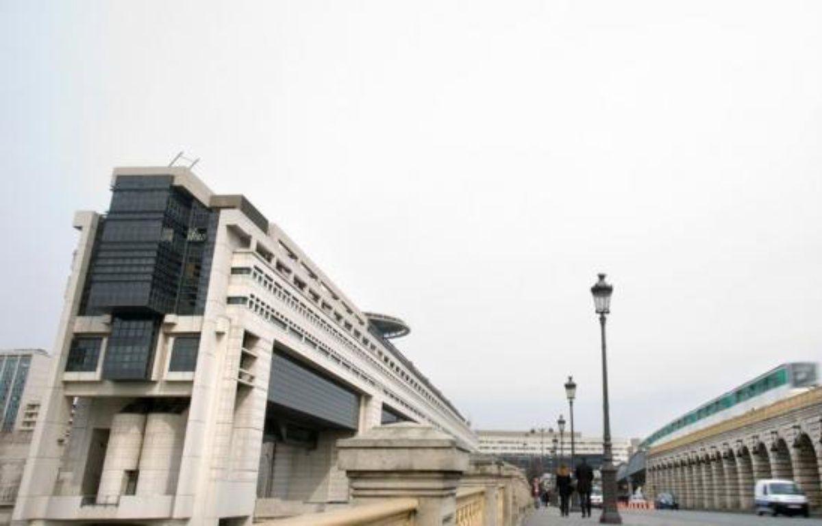 La France a levé lundi 6,976 milliards d'euros à des taux d'intérêts de nouveau négatifs ou quasi nuls lors d'une adjudication de bons du Trésor à taux fixe et intérêts précomptés (BTF), a annoncé lundi l'Agence France Trésor (AFT). – Loic Venance afp.com