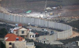 Cette photo aérienne montre le chantier mis en place par l'armée israélienne pour détruire les tunnels à la frontière avec le Liban.