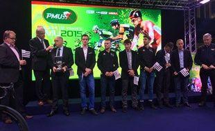 Emmanuel Hubert (trophée en mains), lors de la remise de la Coupe de France par équipes 2015, remportée par BSE.