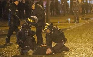 Des affrontements ont opposé les forces de l'ordre à des manifestants à l'issue du «Jour de colère» contre François Hollande.