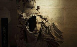 """La Marianne de l'intérieur de l'Arc de Triomphe, vandalisée lors de la manifestation des """"Gilets Jaunes"""" à Paris, le 1er décembre 2018"""