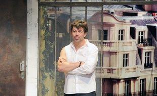 Stéphane Plaza, dans le filage de la pièce A gauche en sortant de l'ascenseur au théâtre Saint-George, à Paris, le 17 juin 2014.