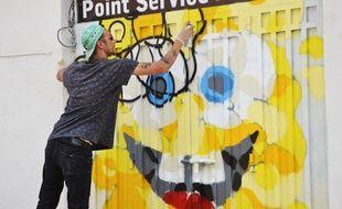 L'artiste montpelliérain Salamech à l'oeuvre dimanche à Montpellier.