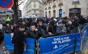Le lancement de la PlayStation 4 de Sony, à Paris, le 29 novembre 2013.