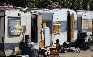 Campement de Roms dans la périphérie de Lille.