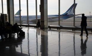 Un avion sur le tarmac à l'aéroport d'Orly.