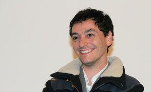 Noe Debré est le réalisateur de la série