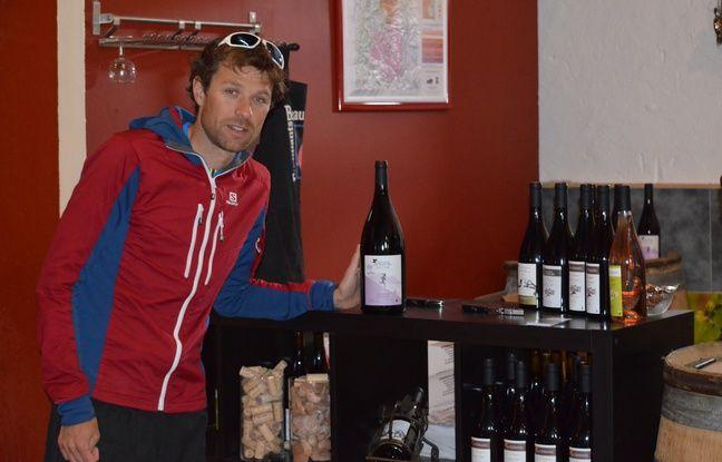 Le Rhonalpin de 30 ans partage son temps entre ses courses et entraînements et sa cave dans le domaine du Germain, en plein Beaujolais.