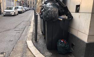 Illustration de la grève des poubelles en vigueur à Marseille