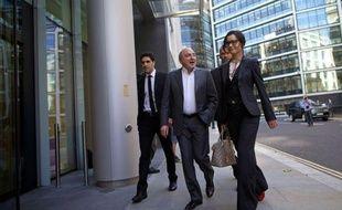 Boris Berezovski a été débouté très sèchement vendredi à Londres dans son procès-choc contre Roman Abramovitch, le premier de ces oligarques russes réclamant au second plus de cinq milliards de dollars (4 milliards d'euros) de compensations dans la foulée de leurs affaires passées.