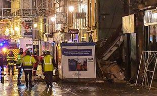 Un immeuble s'effondre à Charlleville-Mézières