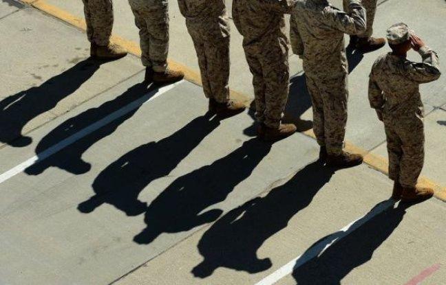 nouvel ordre mondial   Le gouvernement américain saisit la justice pour empêcher les recrues transgenres dans l'armée