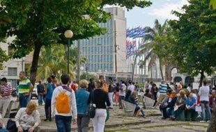 La réforme migratoire à Cuba, qui fête sa première année mardi, a permis de multiplier le nombre de voyages vers l'étranger, mais les prix des billets et les difficultés pour obtenir des visas freinent encore les touristes cubains.