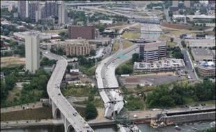 Un sixième corps a été retrouvé jeudi sur les lieux de l'effondrement d'un pont autoroutier à Minneapolis (Minnesota, nord) après plus d'une semaine de recherches, ont annoncé les autorités locales.