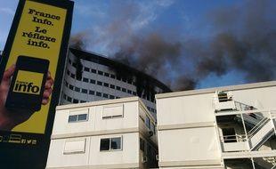 Un incendie est en cours à la maison de la radio, le 31 octobre 2014.