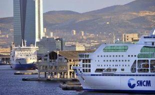Les syndicats de la SNCM sont sortis quelque peu rassurés d'une réunion de travail mercredi au ministère des Transports sur l'avenir de la compagnie maritime, mais laisseront au personnel le choix de maintenir ou un mouvement de grève dès jeudi.