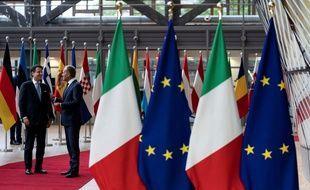 Des fonds européens (drapeau bleu) étaient détournés en Italie (drapeau vert blanc rouge). (illustration)