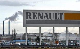 L'activité de l'usine Renault de Douai (Nord) était perturbée jeudi en raison d'une grève suivie, par 15% des salariés selon la direction et 60% des salariés selon la CGT, qui réclame une hausse des salaires et de la prime d'intéressement.