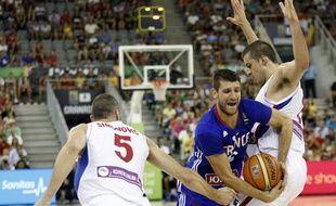 Antoine Diot à la lutte contre deux Serbes, le 31 août 2014