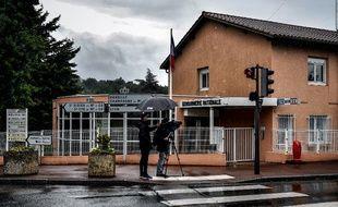La gendarmerie dans laquelle les petites filles ont été retrouvées mortes le 10 juin à Limonest.