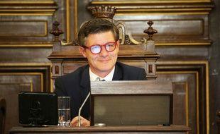 Nicolas Florian s'est assis pour la première fois dans le fauteuil de maire de Bordeaux, le 7 mars 2019.