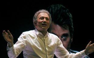 Michel Drucker sur scène, le 12 février 2016 à Amiens