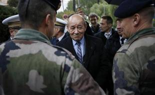 Le ministre de la Défense, Jean-Yves Le Drian, à Cannes, le 13 février 2015